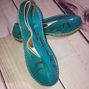 Shoes - 💙TURQUOISE SLIP ON CUT OUT SHOES
